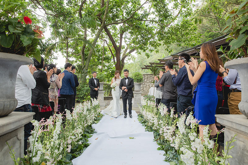 romantic garden wedding in hong kong