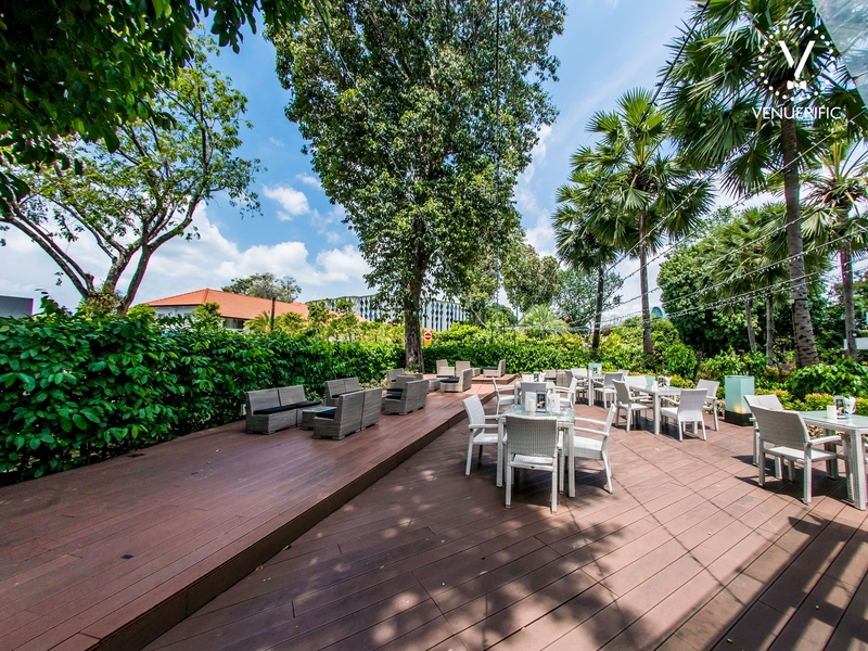 wooden floors and garden area in singapore outdoor intimate wedding space