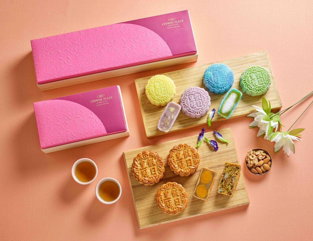 mooncake boxes; snowkin mooncakes; baked mooncakes