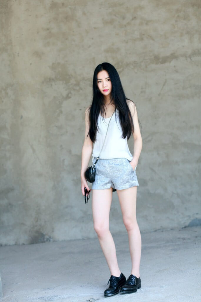 casual white shirt and shorts outfit