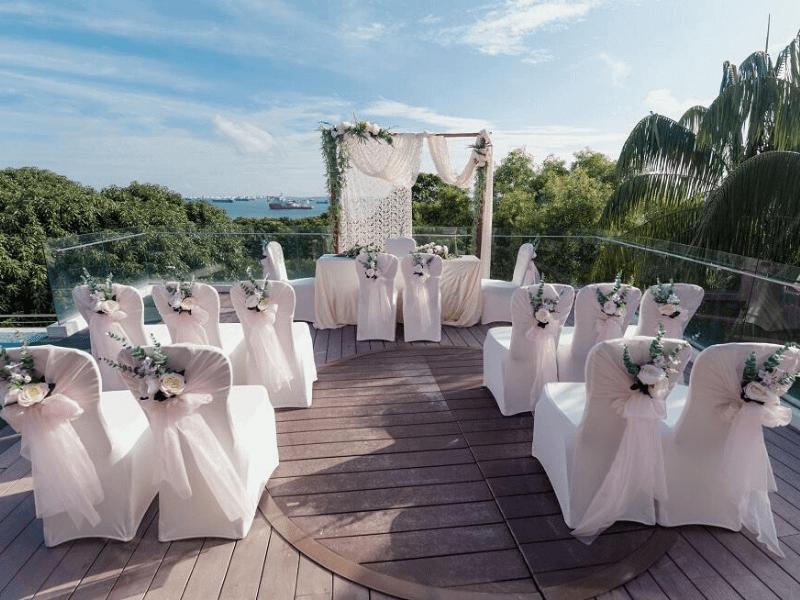 Singapore romantic wedding overlooking south china sea