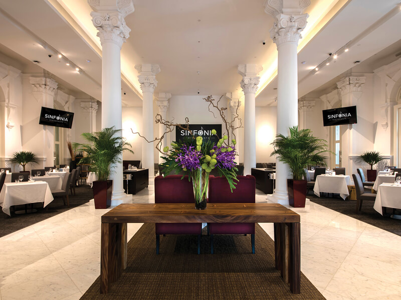 Wedding space with high ceiling and corinthian columns