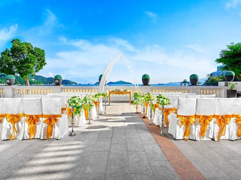 outdoors events seating area near a beach
