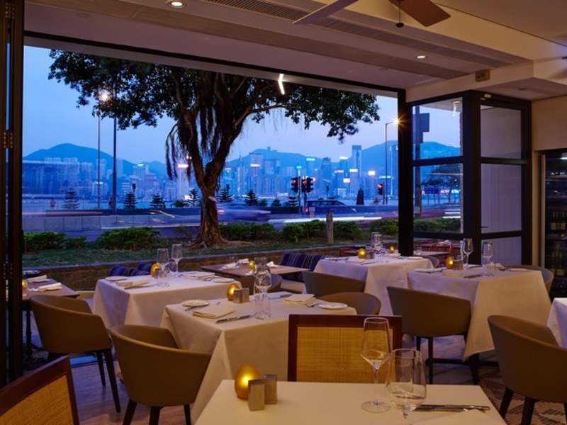 alfresco dining area with view of the harbour