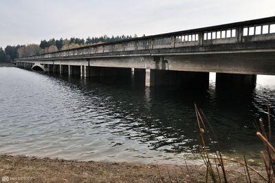 Zatopené dalniční mosty a historie dalnice D1
