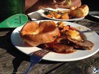 Пасторальная Англия: Sunday roast.