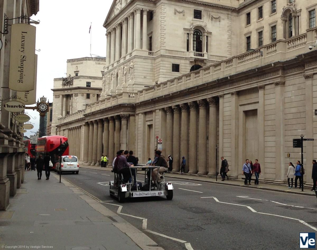Pedibus in London: модный велосипед для развлечений.