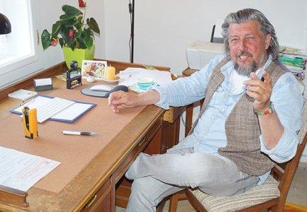 WEGEN CORONA: Kritischem Arzt Dr. Eifler Lizenz entzogen und Hausdurchsuchung