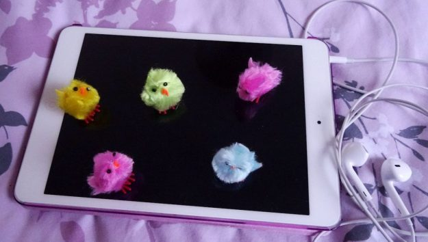Apple iPad Mini, Apple EarPods and Easter chickens