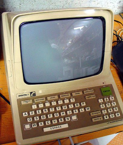 Minitel built in 1982 Author: Tieum License:  Creative Commons Attribution-Share Alike 3.0 Unported