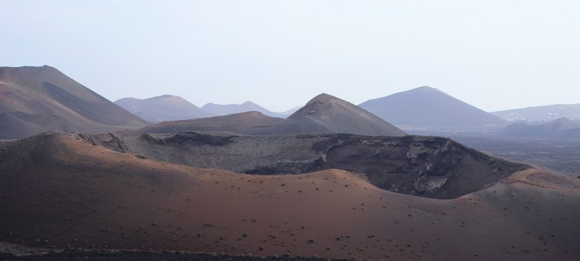 Walking holidays in Lanzarote – spectacular routes for villa holidays