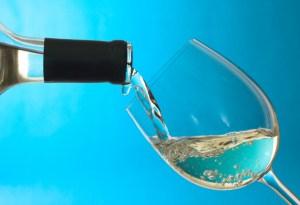 White_Wine_Poured