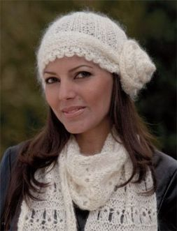 This 1920s-inspired, knit hat pattern is perfect for any vintage lover. It's easy to make, plus there are three ways to make it.