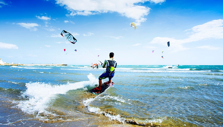 Kitesurfing on the Costa del Sol all year round