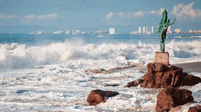 Playa de los muertos en Vallarta