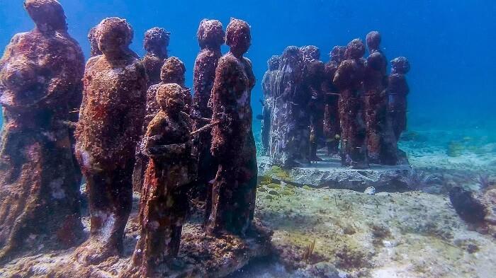 Museo subacuático en Cancún