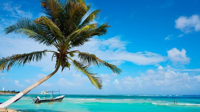 playa mahahual cerca de chetumal