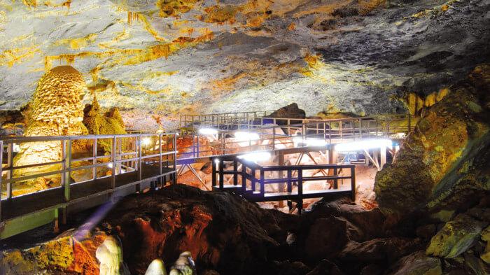 visitar grutas bustamante