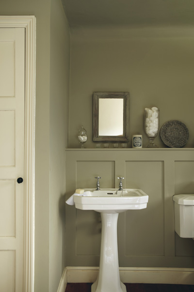 Neutral green walls in the bathroom - via Katy Elliott