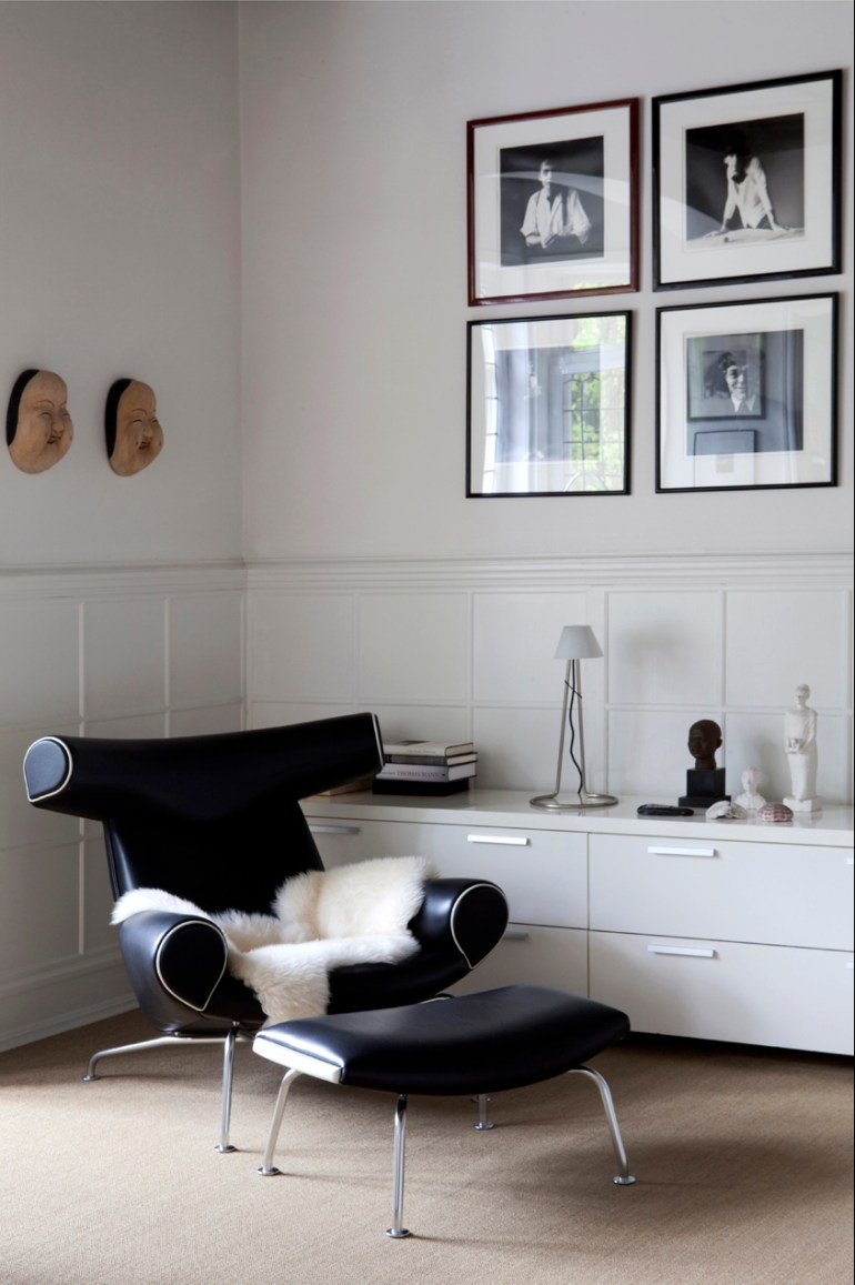 The Ox Chair and ottoman, a product of Wegner's fascination with the works of Picasso. Production ceased in 1962 as it was to complicated to manufacture. In 1985 production re-commenced by Erik Jorgenson