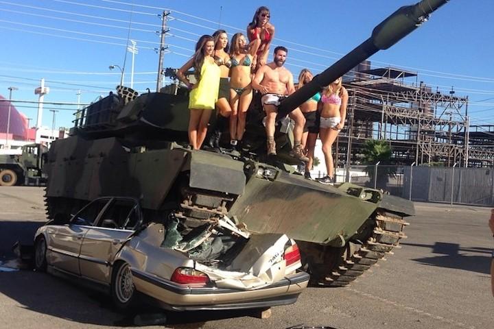 Dan-Bilzerian-Tank
