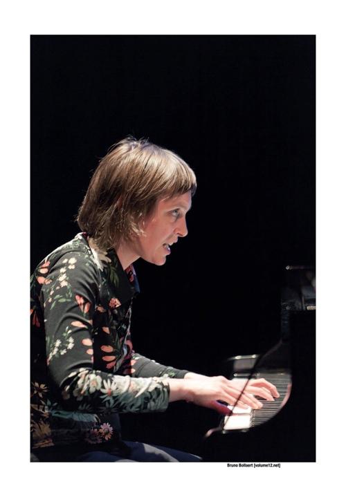 Eve Beuvens Trio in De Werf, Brugge door Bruno Bollaert