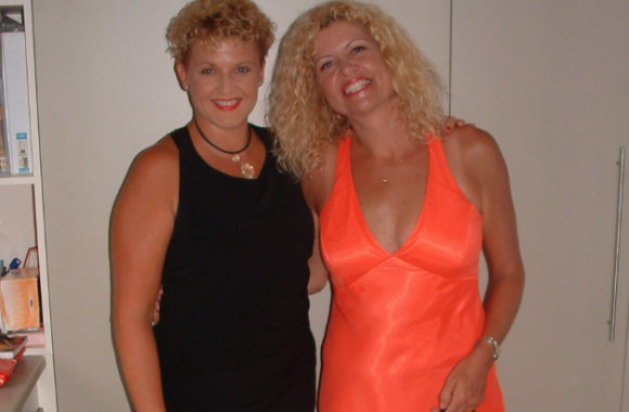 leanne-walsh-with-terri-brown-press-photo
