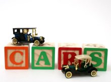 spelling cars using blocks