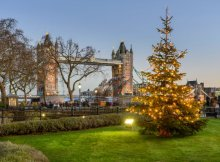 Christmas tree in front of the Tower Bridge, London