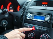 alert-driver-pressing-the-emergency-light-dp