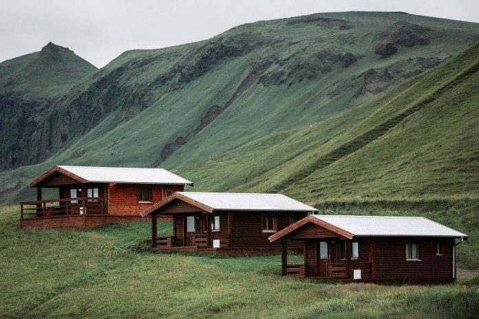 vacation rental houses iceland