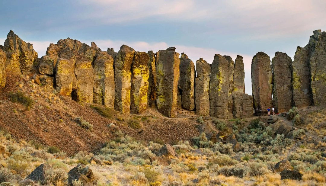 Frenchman Coulee Tall Columns and Basalt Rocks