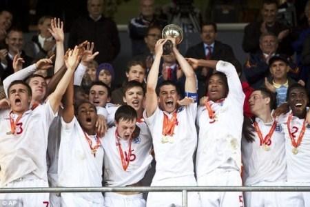 Iwobi is England U-17 Youth Champion