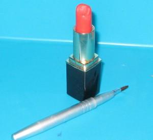 lipbrushredlipstick