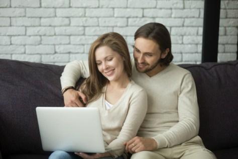 Ofrece un recorrido virtual por la propiedad