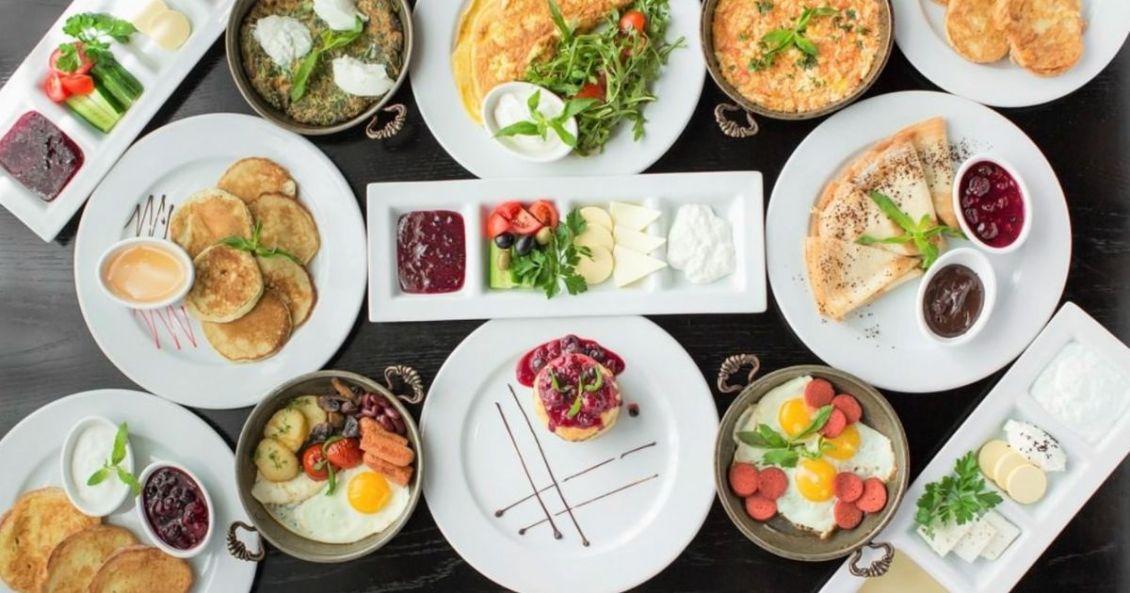 crimson-mactan-breakfast-buffet