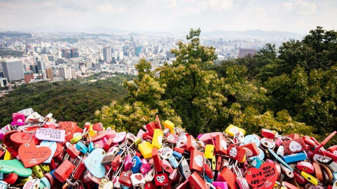 n-seoul-tower-love-locks