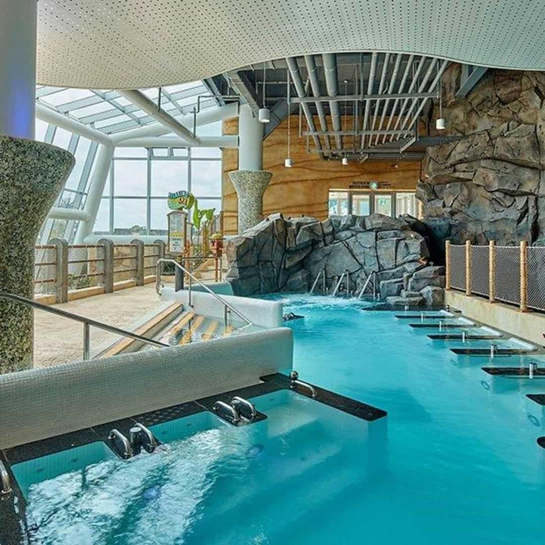 shinhwa-world-water-park-pool