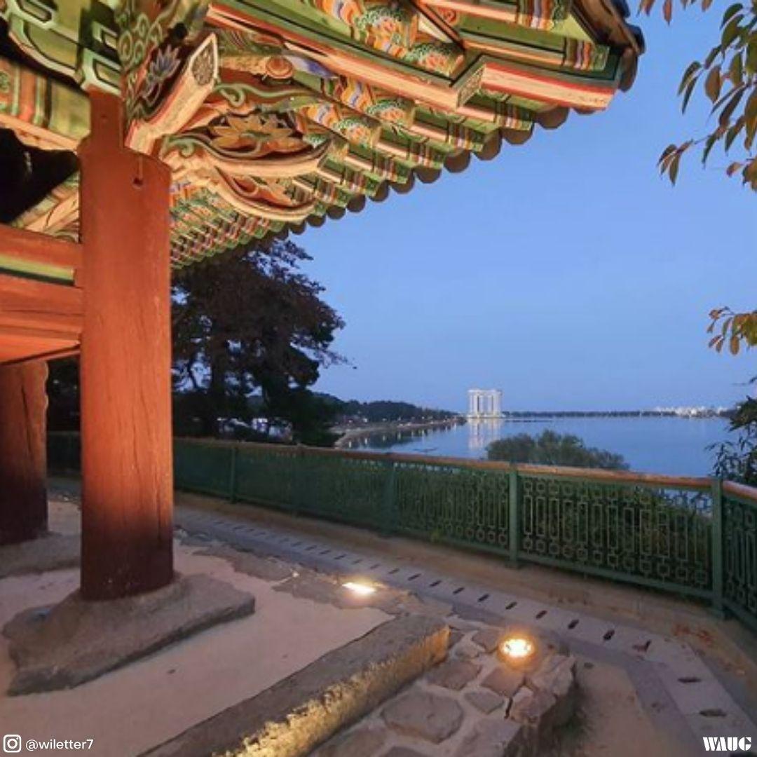 gangneung-gyeongpodae-pavillion