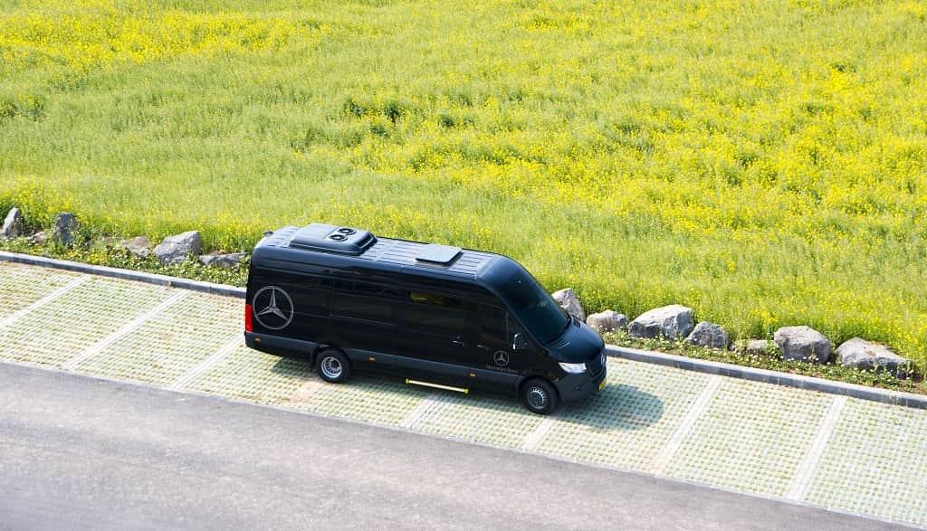 jeju-bus-tour-waug-premium-black-bus-min