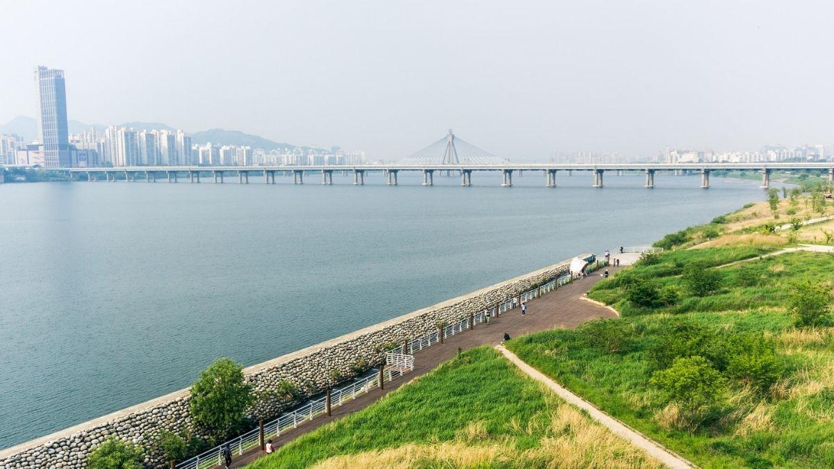 han-river-park-tent