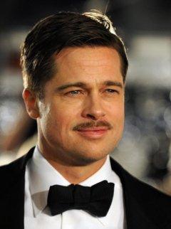 Moustache de Brad Pitt