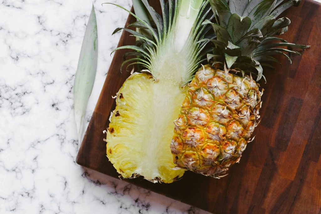 Micronutrients in pineapple for weight loss