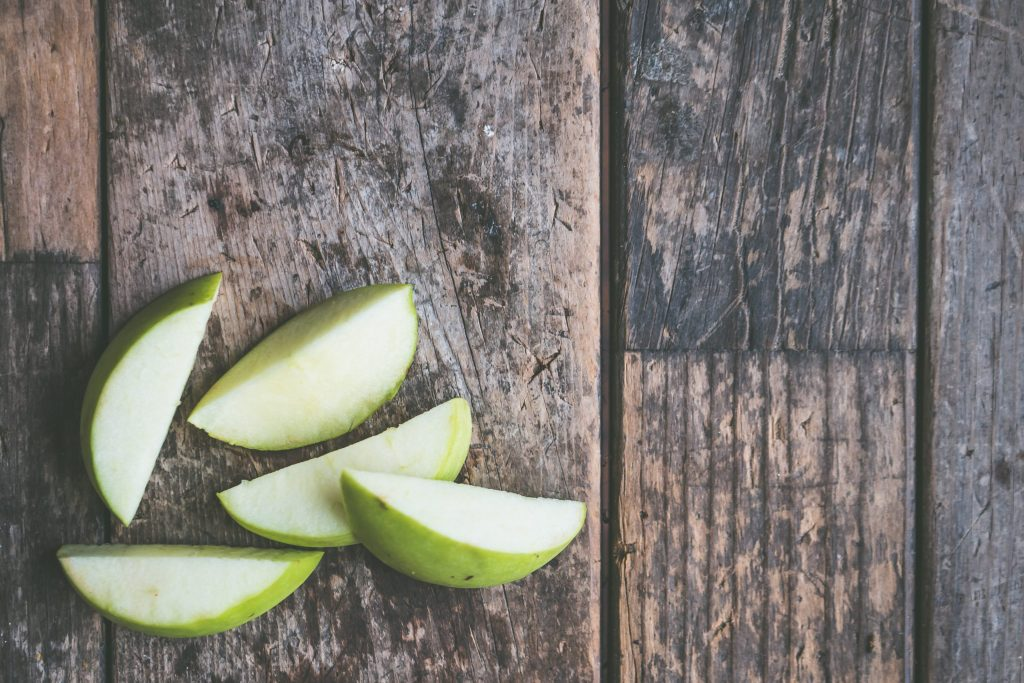 apple as healthy lunch idea for weight loss