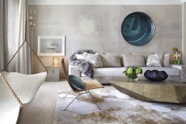 RIGHT AT HOME: Home decorators embrace big, bold wall art