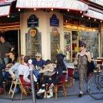 Paris bistros seek UN status as cultural gems