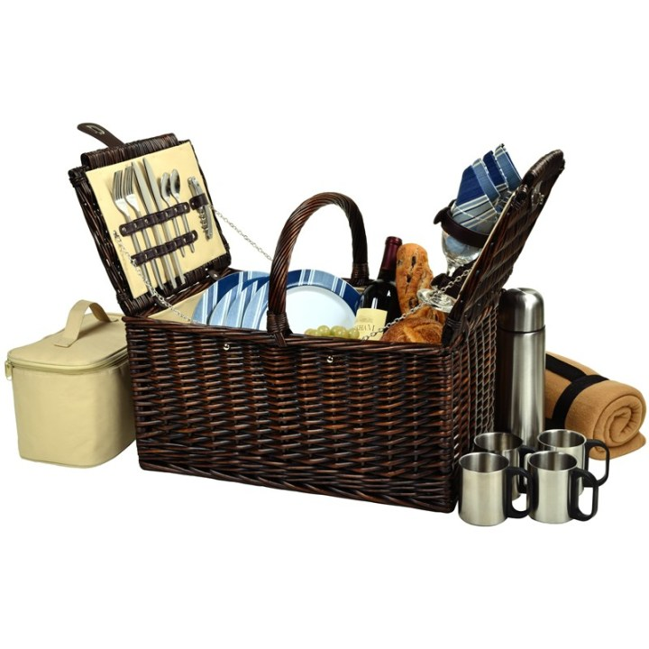 Buckingham-Basket-for-Four-with-Blanket-and-Coffee