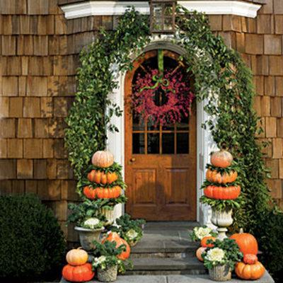 front-door-pumpkin-flower-display-m (1)