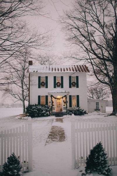 house snow wreaths