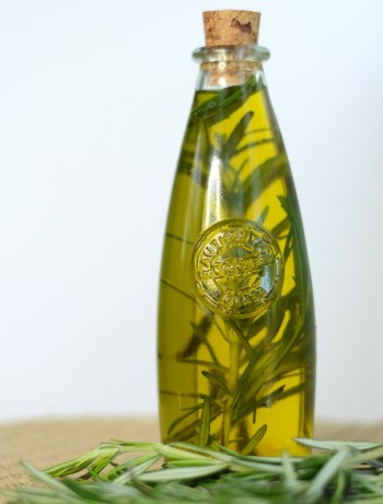 Herb-infused oil looks like a gourmet treat, but is easy to make and can be a wonderfully unique gift. With a high quality olive oil and a bit of planning ahead, you can learn how to make herb-infused olive oil with any of your favorite herbs or spices -- like basil, rosemary, thyme, chilies, or garlic! Herb-infused oils look beautiful and taste delicious in cooking!